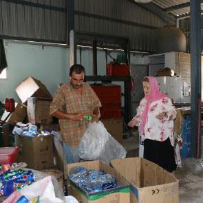 مشروع جديد لتحويل النفايات إلى سماد: عربصاليم تلجأ إلى الديدان!