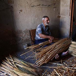 السوريون بعيداً عن ديارهم: «مين فات داره قل مقداره»