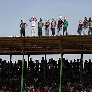 دحلان يستثمر في الرياضة: ساحة جديدة لاستفزاز عباس