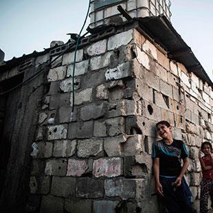 التقاعد الإجباري:  عصا رام الله الغليظة على غزة