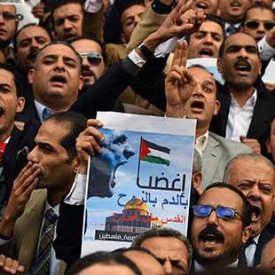 الموقف الرسمي يختار المهادنة :مصر تكسر قيدها لنُصرة القدس