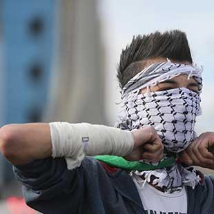 اعتقالات استباقية في الضفة... وصواريخ غزة مستمرة