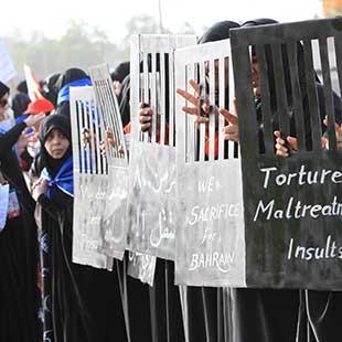 البحرين: «الجيش يقتل الشعب»... بأمر   الملك