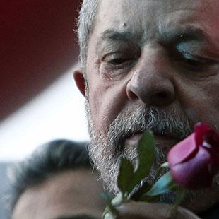 البرازيل تسجن «رئيسها»... و«العمال» أمام واقع ما بعد الصدمة