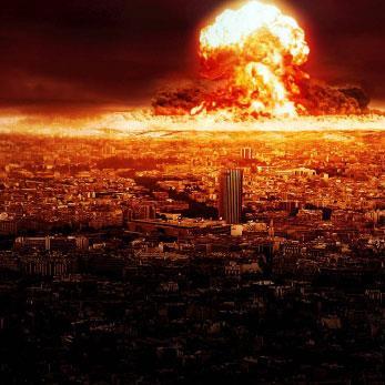 الزرّ النووي: فقاعة إعلامية وأخطر من أن يُترك لـ«المجانين»