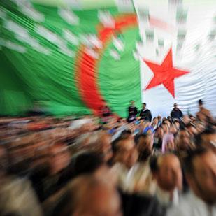احتجاجات الجزائر: زوابع «العملاق الهائم»