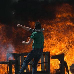 إلا في فلسطين… فالجوع ثائر!