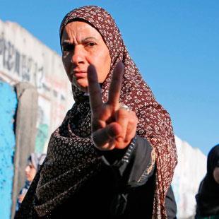 الأسرى والشهداء والجرحى...   مقاومون لا إرهابيون
