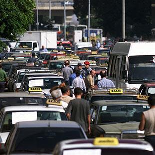 النقل العام في لبنان: سيادة الفوضى