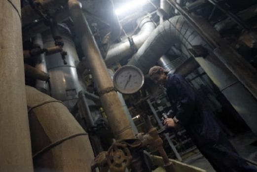 معارضو صفقة البواخر:  عودوا إلى إدارة المناقصات
