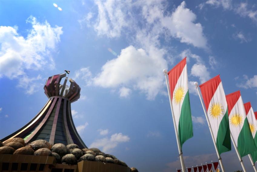 العبادي يرفع الحظر الجوي عن «كردستان»: خلافات الموازنة لا تفسد «الخطوة»