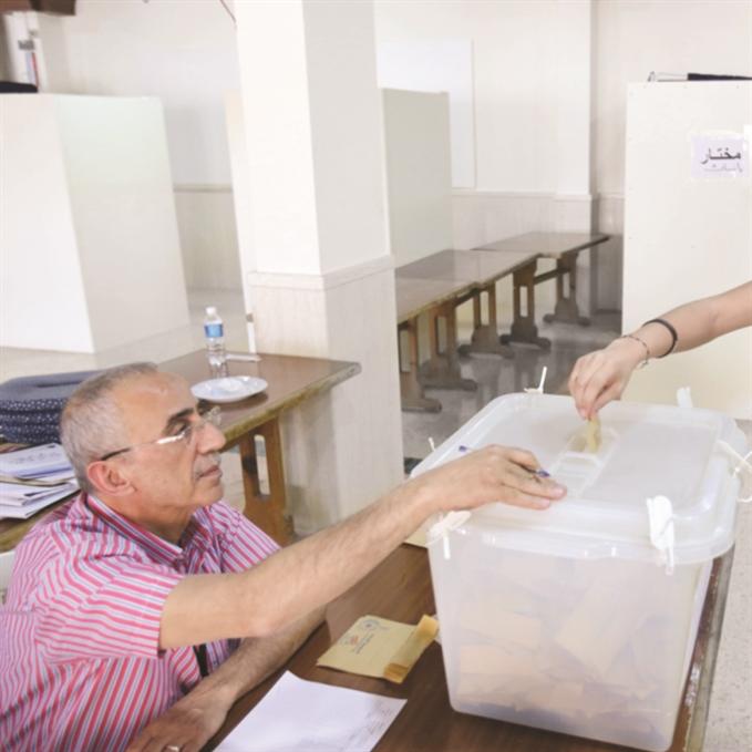 الداخلية: الحبر أقلّ كلفة  من انتخابات 2009