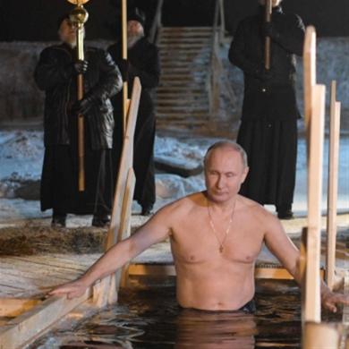 كنيسة روسيا والرئاسة: الزواجُ كاثوليكيٌ