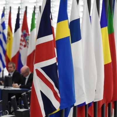 برلين: واشنطن «لن تتمكن من تقسيم الاتحاد الأوروبي»