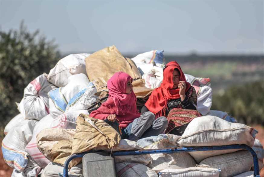 السوريون ممنوعون  من التقاط الأنفاس