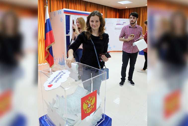 روسيا في لبنان تكرّس «بطلها القومي» رئيساً