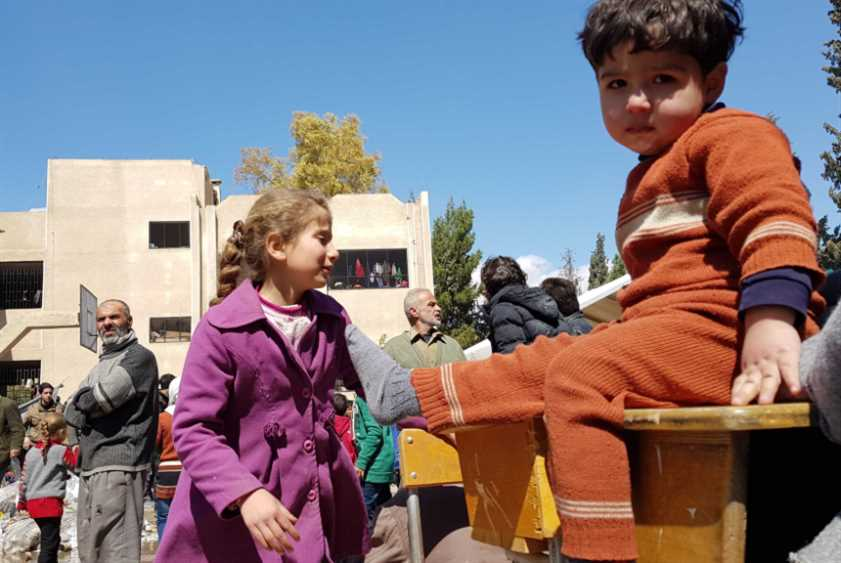 الغوطة راجعة: عنب بلدي وسرير وشوية حكي