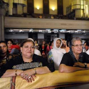 مصر | الحداد والخوف يطغيان على احتفالات الميلاد