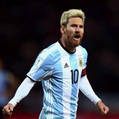 الأرجنتين يبقى مرشحاً: ميسي يحمل التاريخ على ظهره