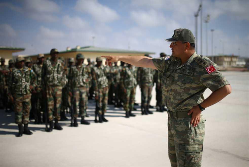 الصومال والخلاف الخليجي: الإمارات تلعب على الانقسامات... والقطريون «يبذخون»