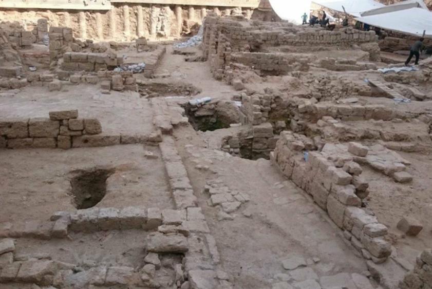 تاريخ بيروت إلى «الدفن» في متحف