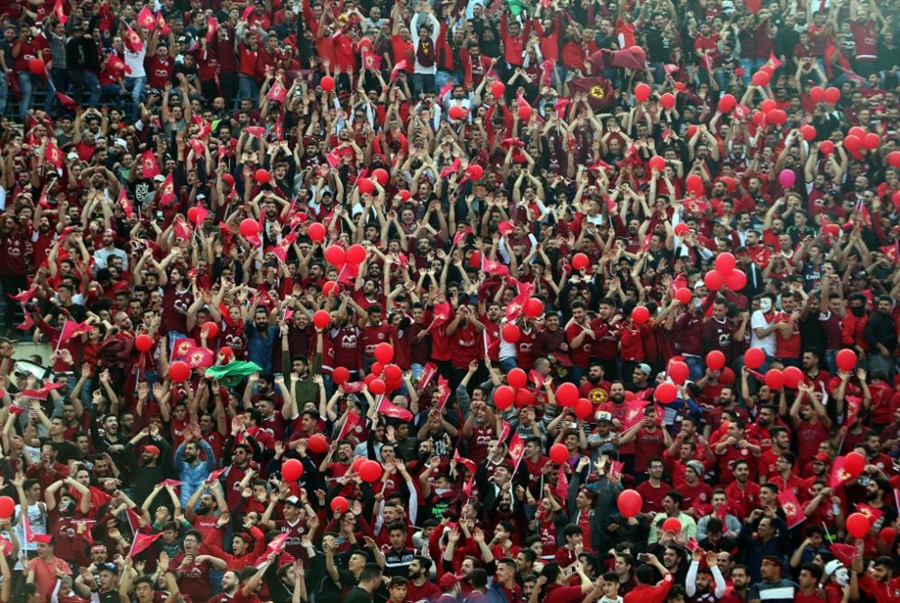 الجميع يريد إجراء المباراة النهائية بلا جمهور... إلا الجمهور!