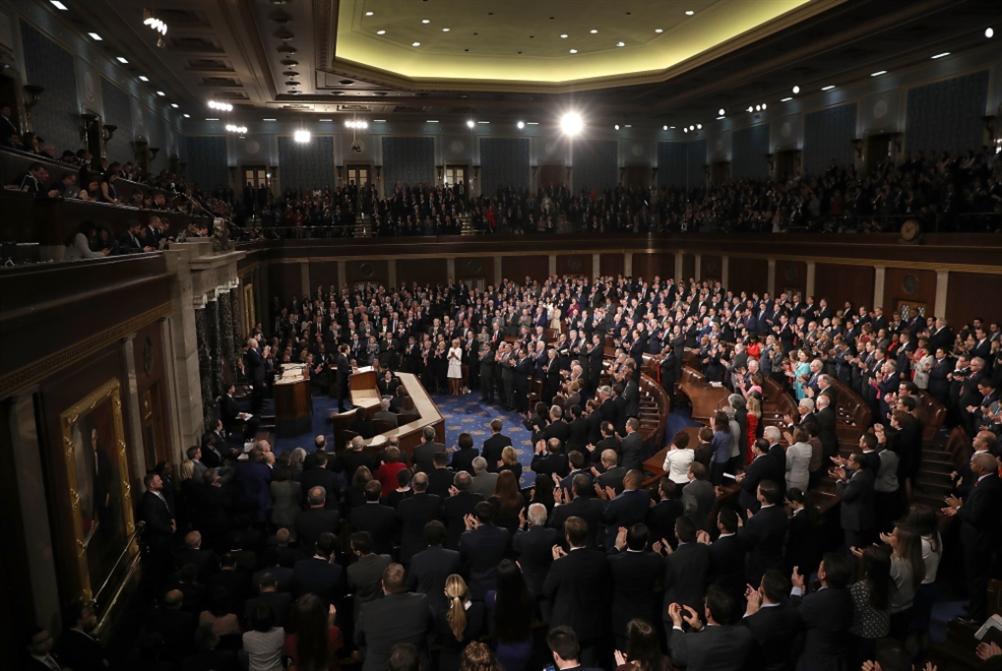 ماكرون أمام الكونغرس: عرض الخلافات في 45 دقيقة