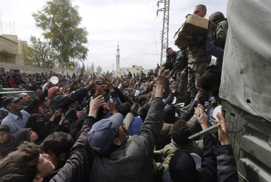 أهالي الغوطة ينتظرون العودة: أعداد كبيرة... وأحلام