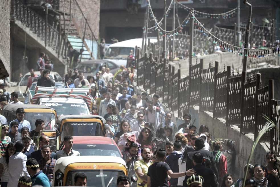 مصر: حكم البيروقراطية والوصول إلى القاع!