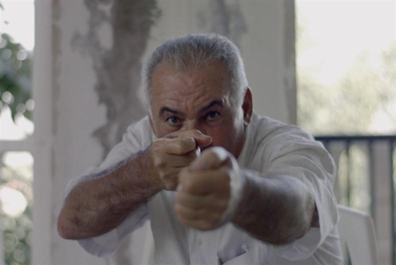 مولوتوف على هيئة فيلم