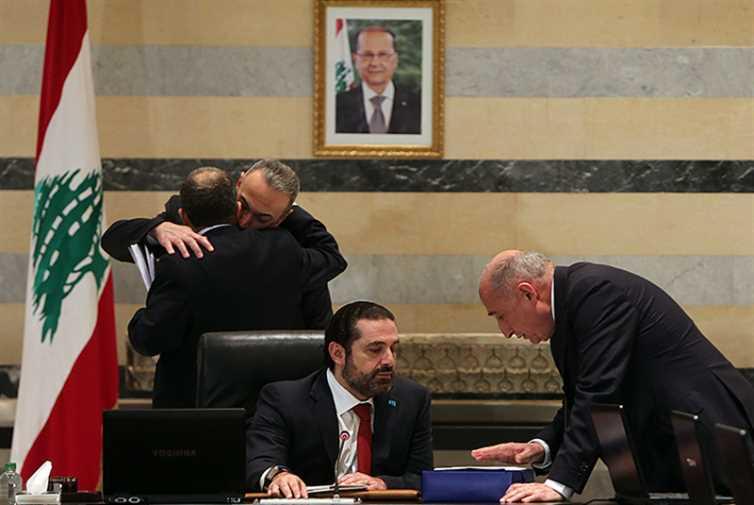 الحكومة في باريس ــ 4: المديونية سببها اللاجئون السوريون
