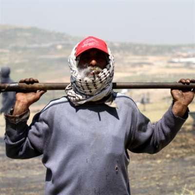 العمل لدى العدو الإسرائيلي: الخبز المرّ