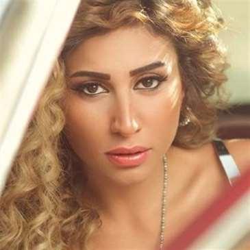 دينا الشربيني: «معجزة» عمرو دياب