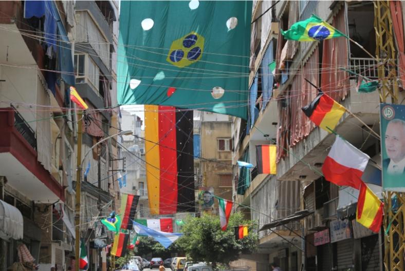 مشجعون متعصبون لطفولاتهم: كأس العالم منصة والأحلام مجانية
