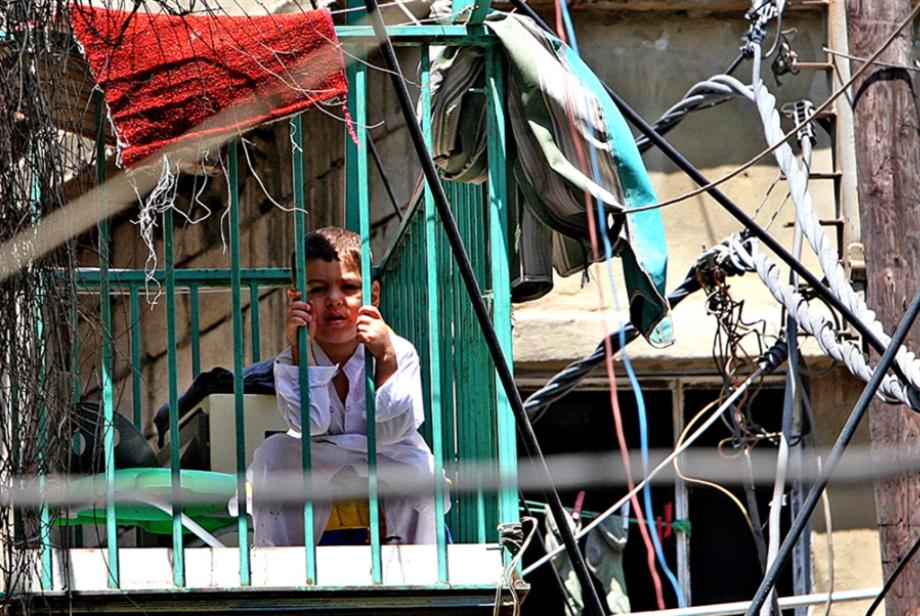 50 ضحية للتيار: الكهرباء تقتل في مخيم برج البراجنة