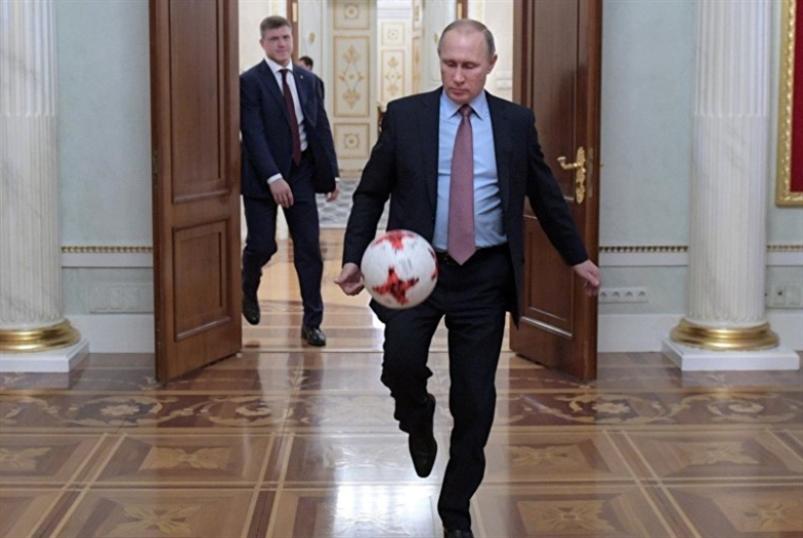 للسياسيين في كرة القدم مذاهب