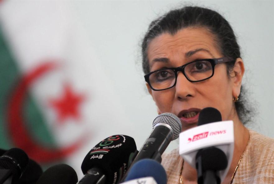 نقاش جزائري: لا يمكن الخروج من الجامعة العربية