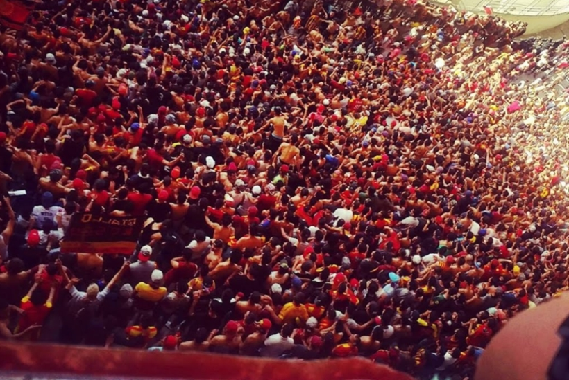 كرة القدم مرآة البلاد وصورتها: ريح الثورة ورياحها تبدأ من على المدرجات