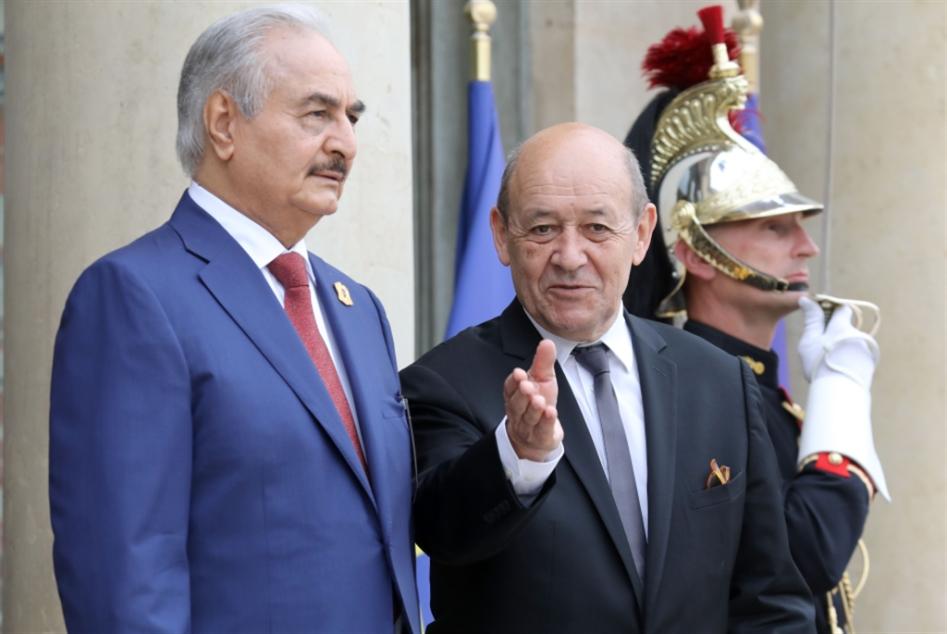 لقاء ماكرون الليبي: باريس تدور حول حفتر