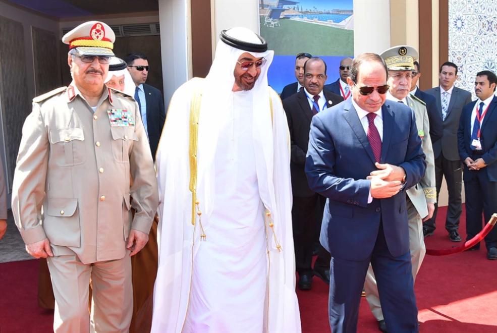 ليبيا | الإمارات تعزز حليفها جنوباً: «مساعدات رمضانية»... لحفتر