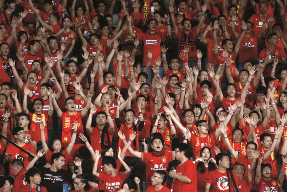 «التنين» الصيني: كرة قدم رأسمالية للشيوعيين