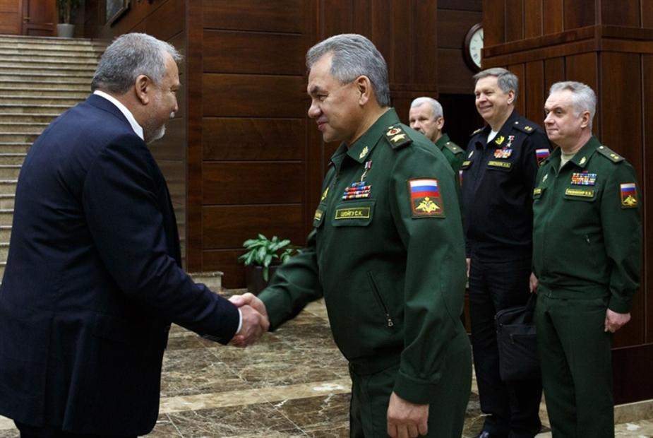 إسرائيل تبحث عن ضمانات روسية... قبل «معركة الجنوب»