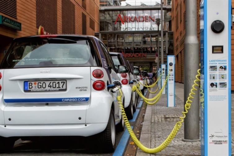 السيارات الكهربائية... تفقد ألمانيا 75 ألف وظيفة