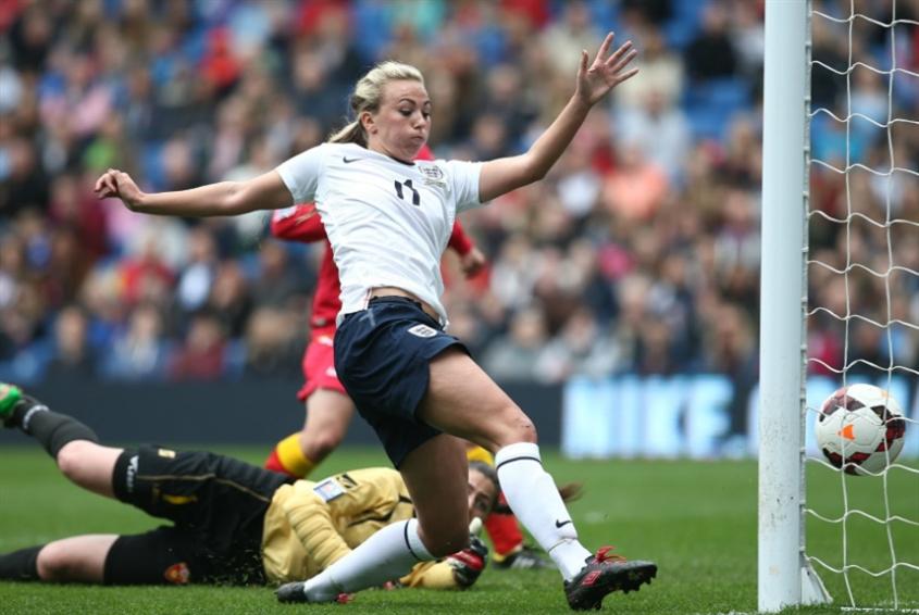 كرة القدم مرتين أسبوعياً تحسّن صحة الفتيات