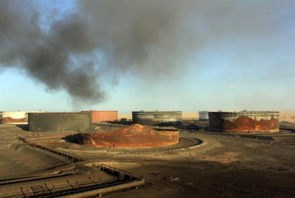 الموانئ النفطيّة خارج سيطرة حفتر؟