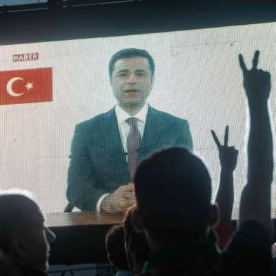 أردوغان يستنجد بتشيلر... ودميرتاش يتوعّد من زنزانته