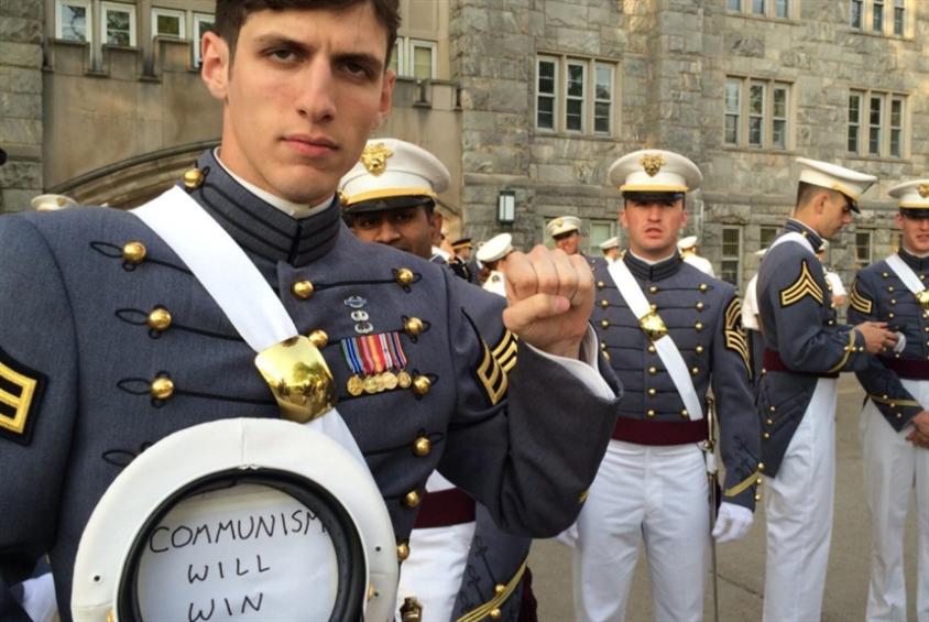 ضابط شيوعي في الجيش الأميركي