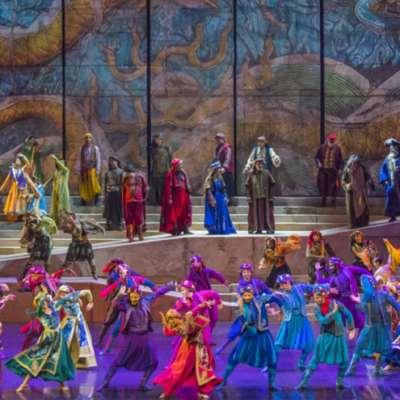 الفرقة تحتفل بيوبيلها الذهبي في «بيبلوس»: «فينيقيا» ذهاباً وإياباً على سفينة «كركلا»