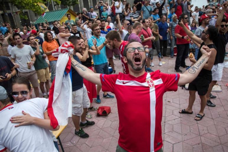 الفيفا يغرّم صربيا والمكسيك