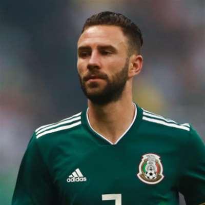 ميغيل ليون: مكسيكي ــ لبناني متعدد المراكز
